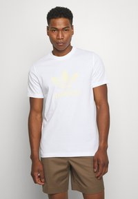 adidas Originals - TREFOIL UNISEX - T-shirts med print - white - 0