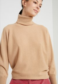 Johnstons of Elgin - CASHMERE KAI - Sweter - baby camel - 3
