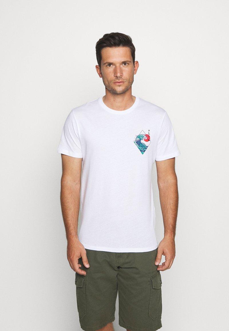 Pier One - T-shirt med print - white