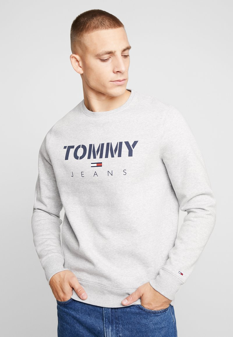 Tommy Jeans - NOVEL LOGO CREW - Sweatshirt - light grey heatherr
