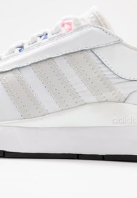 adidas Originals - SL ANDRIDGE - Sneakersy niskie - footwear white/grey one/core black - 2