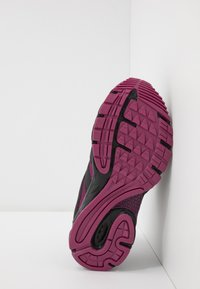Hi-Tec - WARRIOR - Zapatillas de senderismo - black/purple - 5