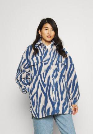PORTERCRAS - Krótki płaszcz - brunnera blue