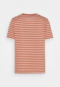 GAP - Print T-shirt - brown - 1