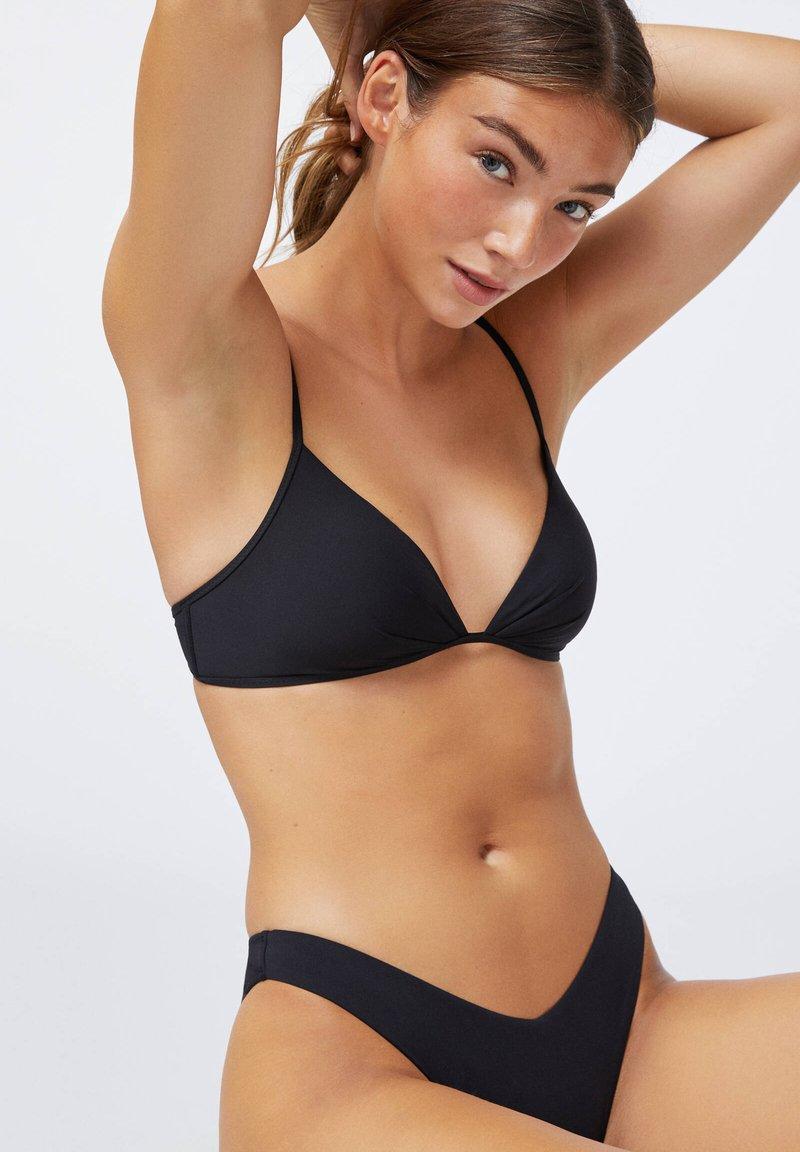 OYSHO - RUCHED  - Bikini top - black