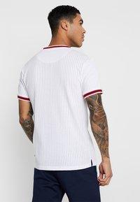 Bellfield - SPORTS RIB RAGLAN - Print T-shirt - white - 2