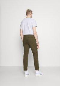 Newport Bay Sailing Club - Chino kalhoty - khaki - 2
