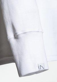 CHASIN' - DAMIAN-B - Camiseta de manga larga - white - 2