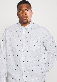 Johnny Bigg - FINLEY PRINT SHIRT - Shirt - white - 3
