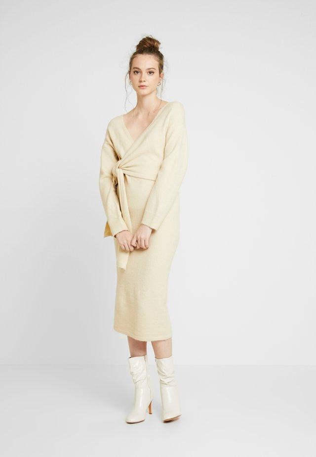 TIE FRONT DETAIL DRESS - Jumper dress - beige