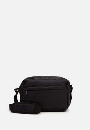 PUFFY SPORT SQUARE - Skulderveske - black