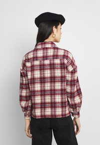 Vila - VISARAS SHAKET - Summer jacket - red - 2