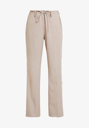 MARA - Spodnie materiałowe - sandshell