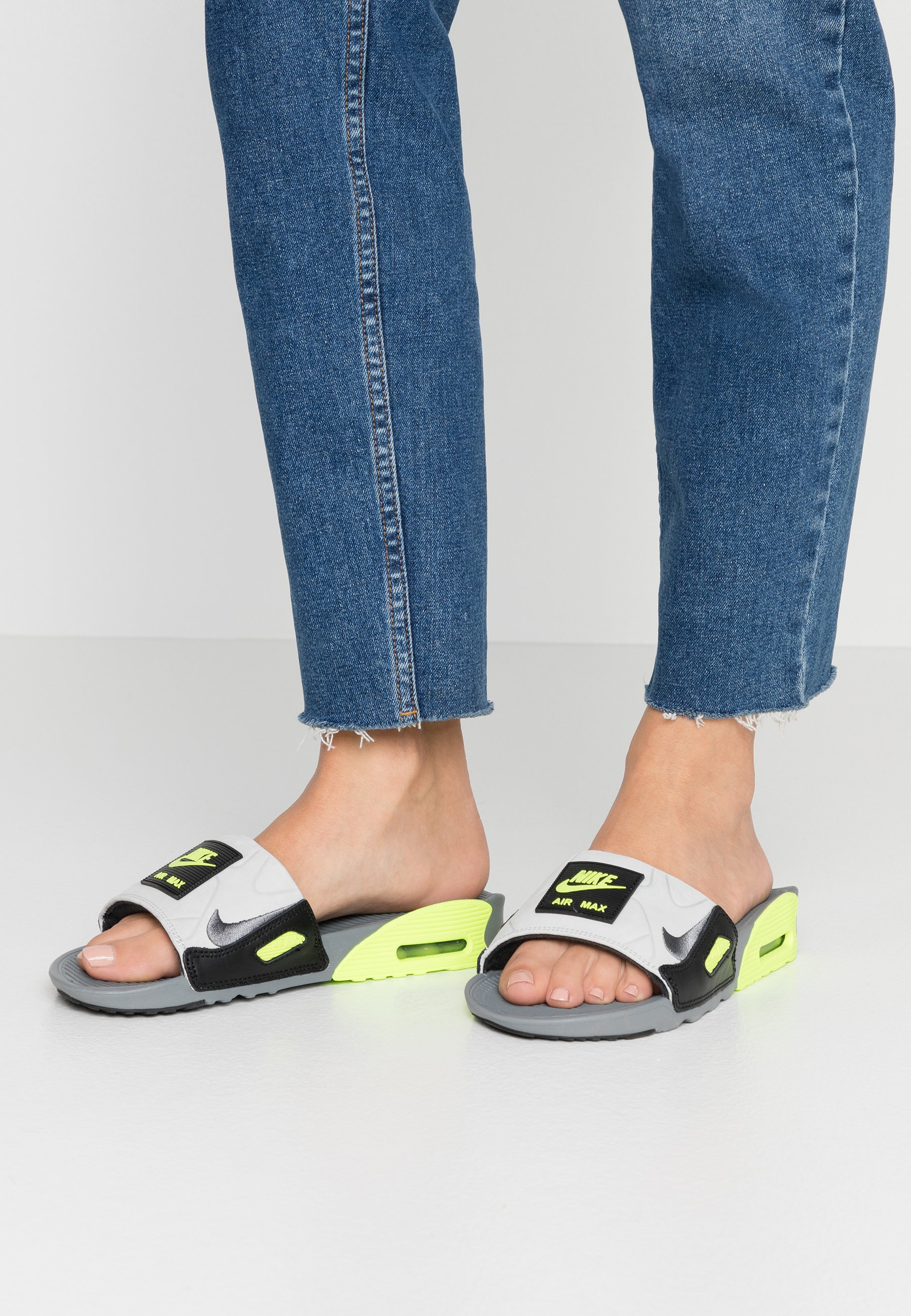 Nike Sportswear NIKE AIR MAX 90 DAMEN-SLIDES - Sandales de bain ...