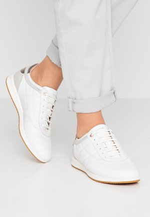 AVERY - Trainers - white