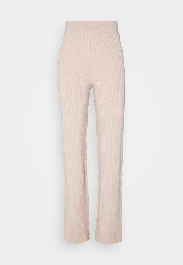 SOFT RIBBED PANTS - Broek - pink