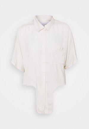 CORE TIE FRONT - Skjorte - cream