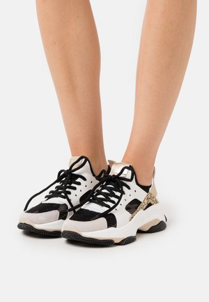 AJAX - Sneakers laag - white/gold