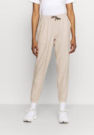 ISLAND BEACH PANTS - Trousers - ochre