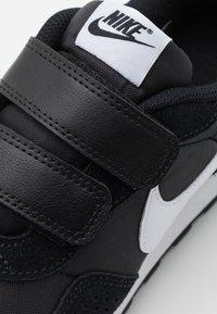 Nike Sportswear - VALIANT  - Zapatillas - black/white - 5