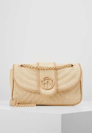 SASHA QUILTED CHAIN CROSSBODY - Across body bag - nude