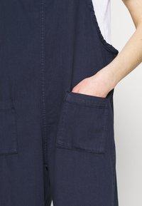 Monki - MONA DUNGAREES - Jumpsuit - blue medium dusty - 4