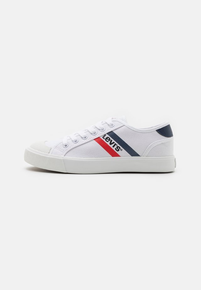 MISSION UNISEX - Trainers - white/yellow