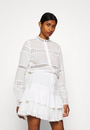 SADIE DRESS - Sukienka koszulowa - star white