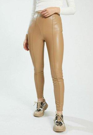 FAUX LEATHER - Legging - beige