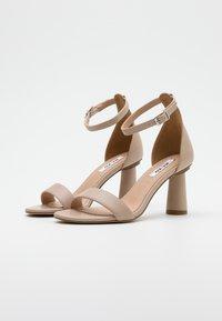NA-KD - CONE SHAPE STRAP  - Sandaler med høye hæler - beige - 2