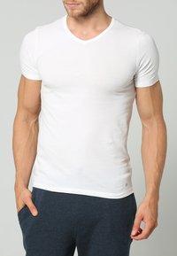 Marc O'Polo - 2 PACK - Pyjama top - white - 1