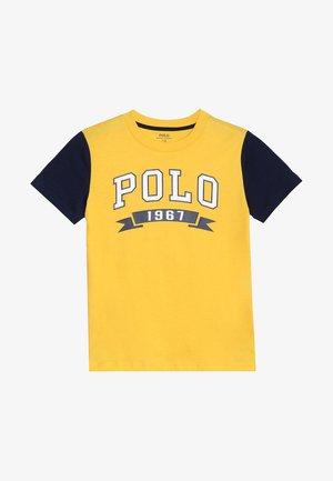 T-shirt imprimé - yellow/fin