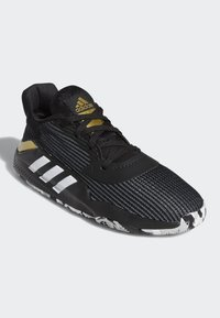 adidas Performance - PRO BOUNCE 2019 LOW SHOES - Basketball shoes - black - 4