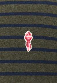 REVOLUTION - STRIPED - T-shirt print - army melange - 5