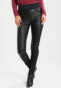 Freequent - SHANTAL COOPER - Trousers - black - 0