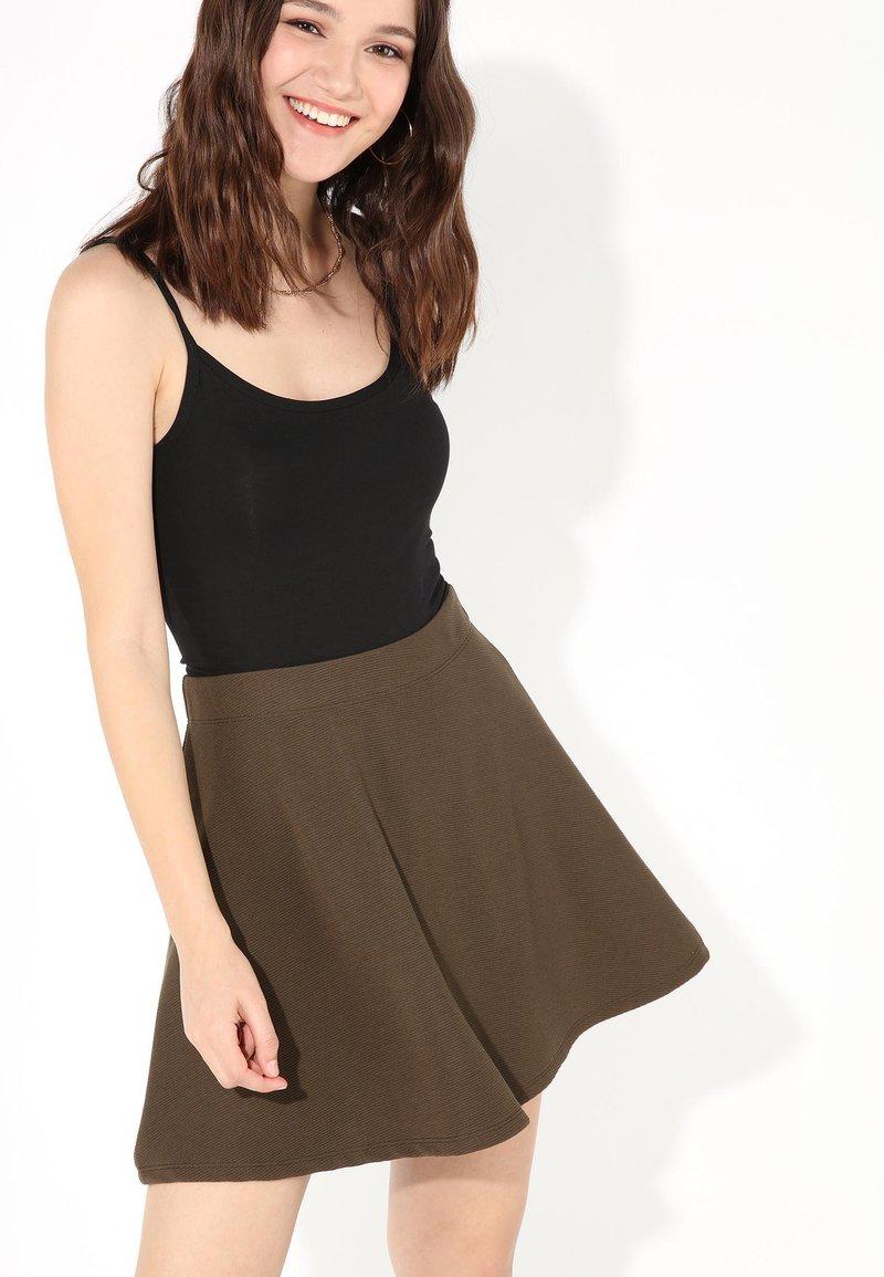 Tezenis - SKATER - Pleated skirt - military green