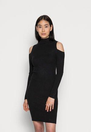 COLD SHOULDER LOGO DRESS - Pletené šaty - black