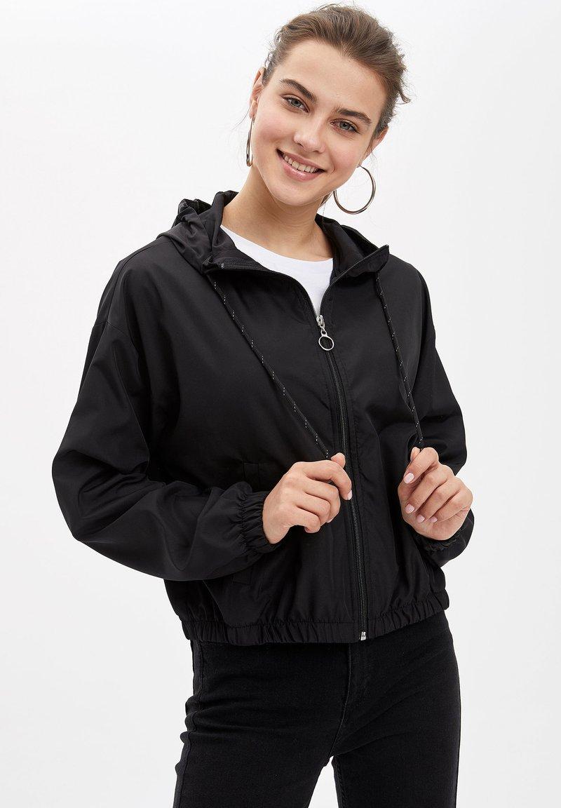 DeFacto - Korte jassen - black