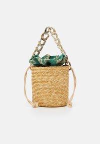 BASKET BROCADE MARBLE CHAIN - Handtasche - natural/green
