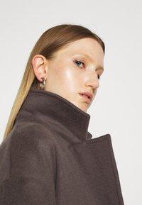 Bruuns Bazaar - SALLIE JEZZE COAT - Klassinen takki - earth brown - 5