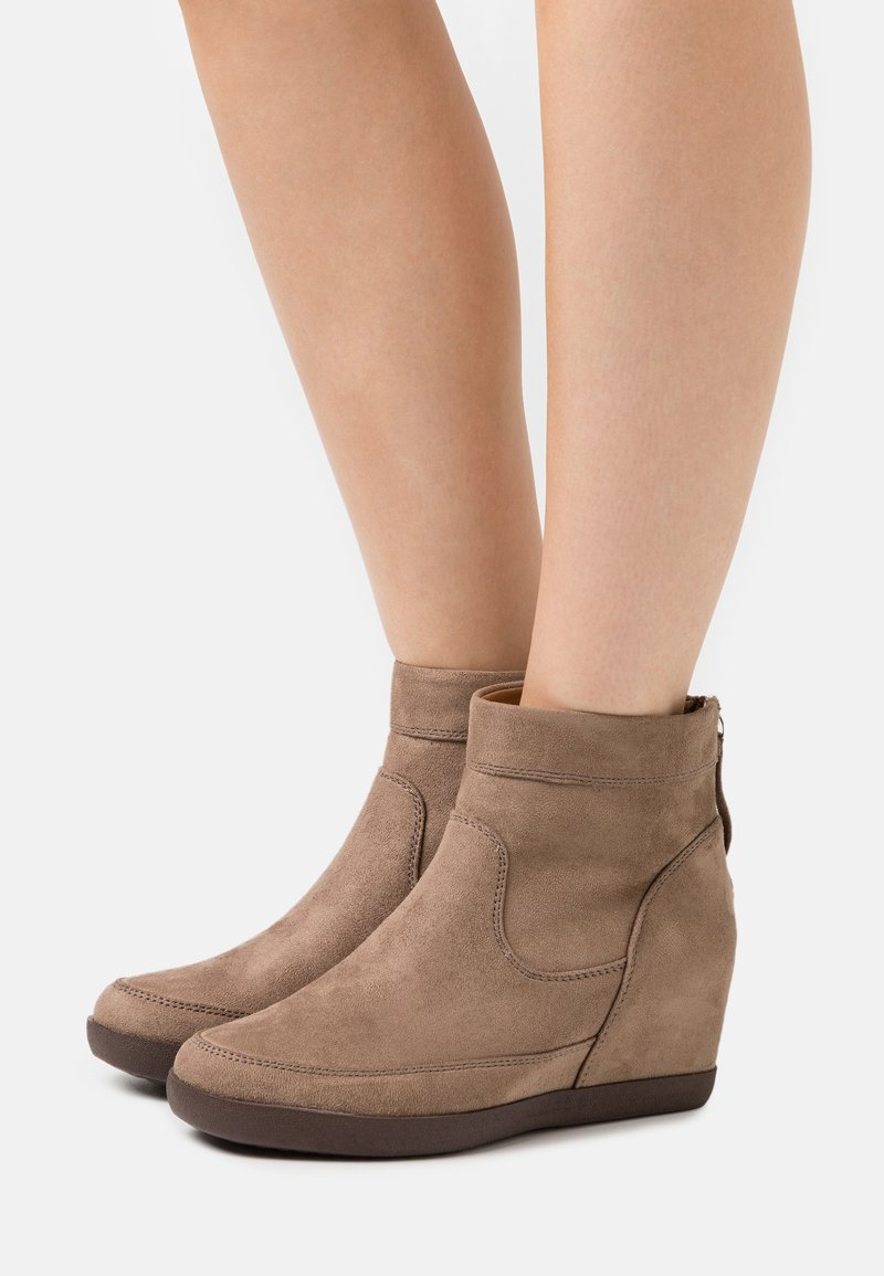 Anna Field - Wedge Ankle Boots - taupe