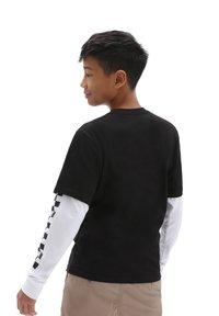 Vans - BY LONG CHECK TWOFER - Long sleeved top - black - 1