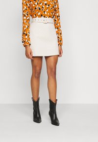 Fashion Union Petite - JEEVES SKIRT - A-lijn rok - cream quilted - 0