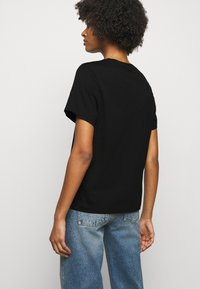 House of Dagmar - CLAUDIA - T-shirt basic - black - 2