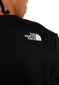 The North Face - CANYONWALL CREW - Sweatshirt - black/red - 5