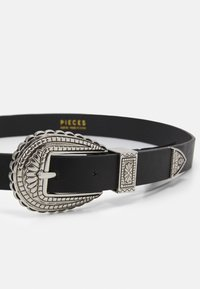Pieces - PCHOLLIA WAIST BELT - Waist belt - black/silver - 2