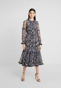 Needle & Thread - DITSY BALLERINA DRESS - Koktejlové šaty/ šaty na párty - graphite - 0
