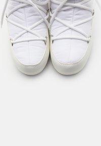 Moon Boot - LOW  WP - Vinterstøvler - white - 5