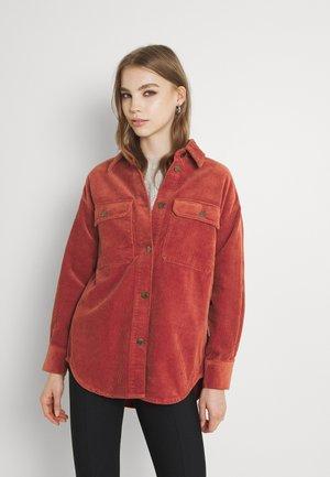 ONLWORKER POCKET - Summer jacket - cinnabar
