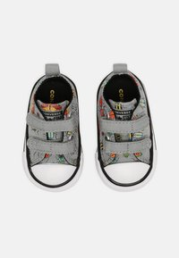 Converse - CHUCK TAYLOR ALL STAR BUGGED OUT UNISEX - Sneakers laag - ash stone/black/bright poppy - 3